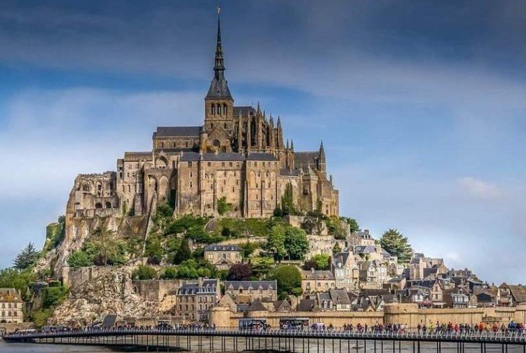 chauffeur privé vtc, navettes Mont Saint Michel à Saint Malo.